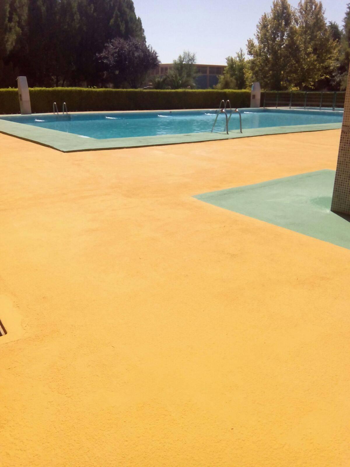 mantenimiento piscina municipal 2017 herencia 2 - La piscina municipal cerrada por mantenimiento en pleno verano