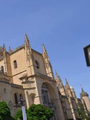 """09Viaje a Segovia de la hermandad de san Jose de Herencia 315x420 - El coro """"La Azucena de San José"""" realizó un viaje cultural a Segovia"""