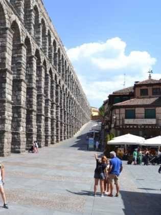 """10Viaje a Segovia de la hermandad de san Jose de Herencia 315x420 - El coro """"La Azucena de San José"""" realizó un viaje cultural a Segovia"""