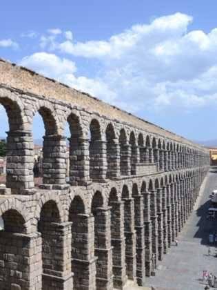 """11Viaje a Segovia de la hermandad de san Jose de Herencia 315x420 - El coro """"La Azucena de San José"""" realizó un viaje cultural a Segovia"""