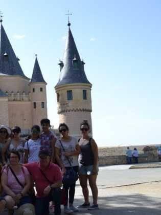 """16Viaje a Segovia de la hermandad de san Jose de Herencia 315x420 - El coro """"La Azucena de San José"""" realizó un viaje cultural a Segovia"""