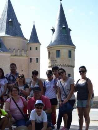"""17Viaje a Segovia de la hermandad de san Jose de Herencia 315x420 - El coro """"La Azucena de San José"""" realizó un viaje cultural a Segovia"""