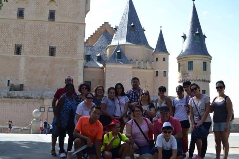 """17Viaje a Segovia de la hermandad de san Jose de Herencia - El coro """"La Azucena de San José"""" realizó un viaje cultural a Segovia"""