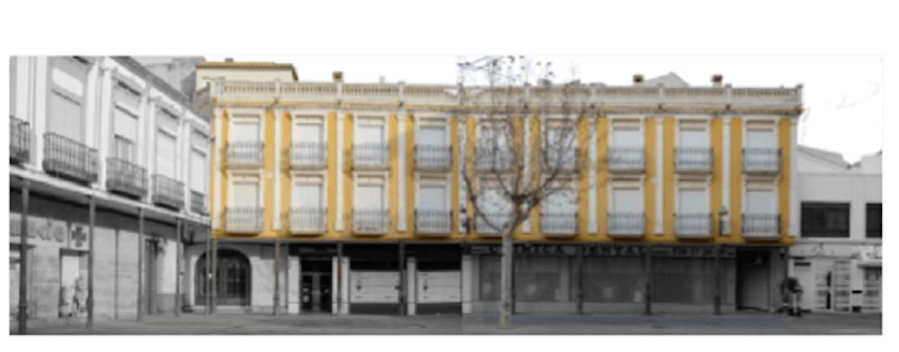 Fachada antes - Comienzan las obras de embellecimiento de la Plaza de España en Herencia