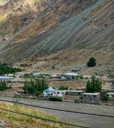 Perle atravesando el Pamir y llegando a Kirguistan04 373x420 - Perlé atravesando el Pamir y llegando a Kirguistán