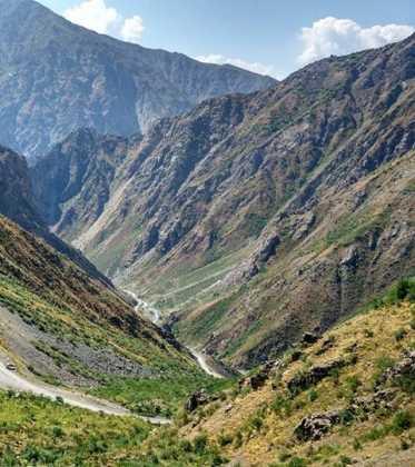Perle atravesando el Pamir y llegando a Kirguistan07 373x420 - Perlé atravesando el Pamir y llegando a Kirguistán