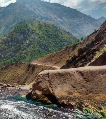 Perle atravesando el Pamir y llegando a Kirguistan09 373x420 - Perlé atravesando el Pamir y llegando a Kirguistán