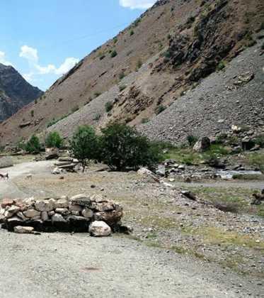 Perle atravesando el Pamir y llegando a Kirguistan13 373x420 - Perlé atravesando el Pamir y llegando a Kirguistán