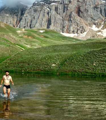 Perle atravesando el Pamir y llegando a Kirguistan16 373x420 - Perlé atravesando el Pamir y llegando a Kirguistán