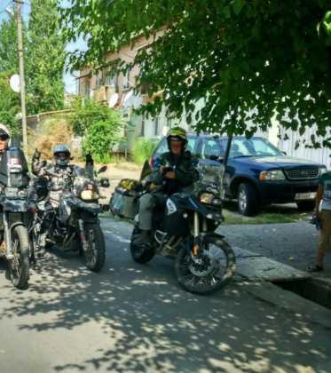 Perle atravesando el Pamir y llegando a Kirguistan20 373x420 - Perlé atravesando el Pamir y llegando a Kirguistán