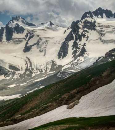 Perle atravesando el Pamir y llegando a Kirguistan21 373x420 - Perlé atravesando el Pamir y llegando a Kirguistán