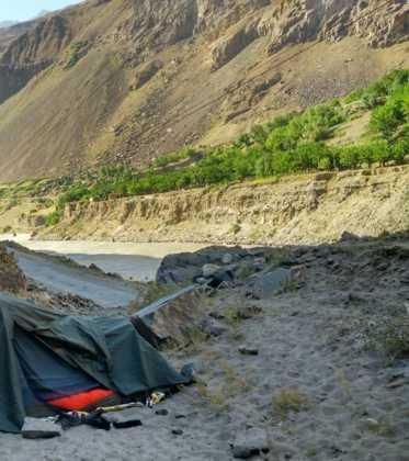 Perle atravesando el Pamir y llegando a Kirguistan26 373x420 - Perlé atravesando el Pamir y llegando a Kirguistán