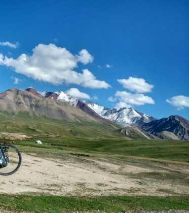 Perle atravesando el Pamir y llegando a Kirguistan34 373x420 - Perlé atravesando el Pamir y llegando a Kirguistán