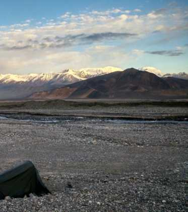 Perle atravesando el Pamir y llegando a Kirguistan35 373x420 - Perlé atravesando el Pamir y llegando a Kirguistán