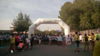 "colours run 2017 en herencia 4 341x192 - Cientos de personas participaron en la ""Colours Run"" solidaria de Herencia"