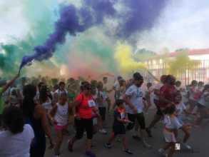 "colours run 2017 herencia fotos de Aitor gallego de la sacristana 7 293x220 - Cientos de personas participaron en la ""Colours Run"" solidaria de Herencia"
