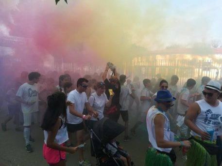 """colours run herencia 2017 fotos ayuntamiento 13 457x343 - Cientos de personas participaron en la """"Colours Run"""" solidaria de Herencia"""