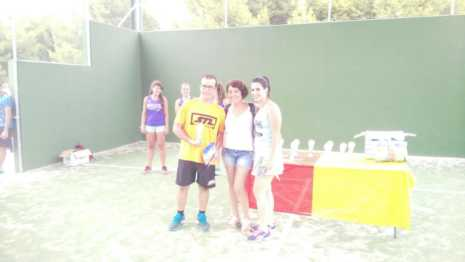 Fotografías de entrega de premios del II torneo de verano de pádel 7