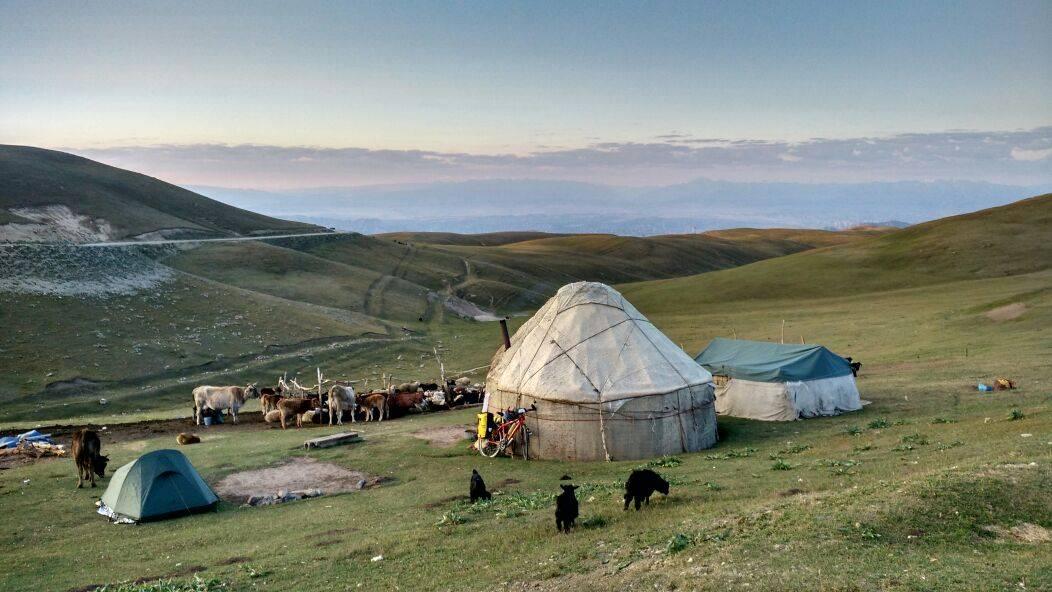 Perlé etapa 236 247. 4 - Perlé se despide del Asia Central