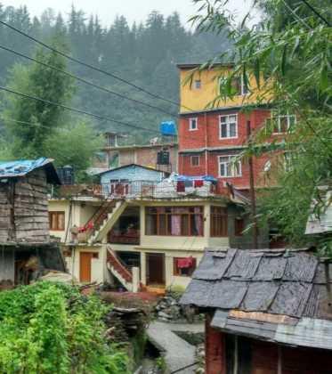 Perlé a los pies del Himalaya 51