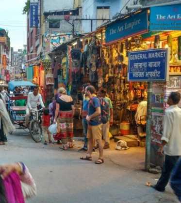 Perle por el mundo a los pies del Himalaya15 373x420 - Perlé a los pies del Himalaya