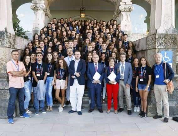Alumnos de la XVII aula de verano Ortega y Gasset de la UIMP. Fotografía extraída del twiter de Francisca Caballero, @CaballeroFgc