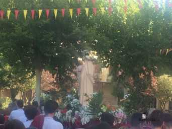 colegio ntra sra mercedes procesion imagen virgen 5 342x256 - El Colegio Ntra. Sra. de las Mercedes sacó en procesión la imagen de la Virgen