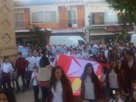 colegio ntra sra mercedes procesion imagen virgen 6 265x199 - El Colegio Ntra. Sra. de las Mercedes sacó en procesión la imagen de la Virgen