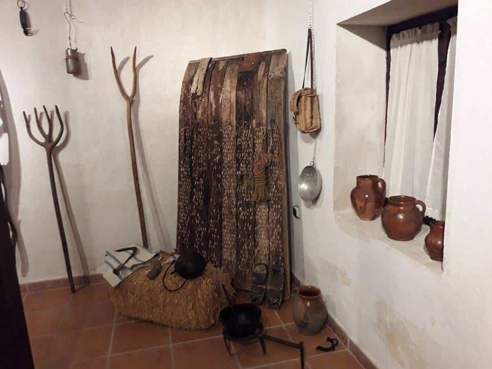 exposicion etnografica de Jesus Gomez Calcerrada07 - Legado del tiempo. Exposición etnográfica de Jesús Gómez