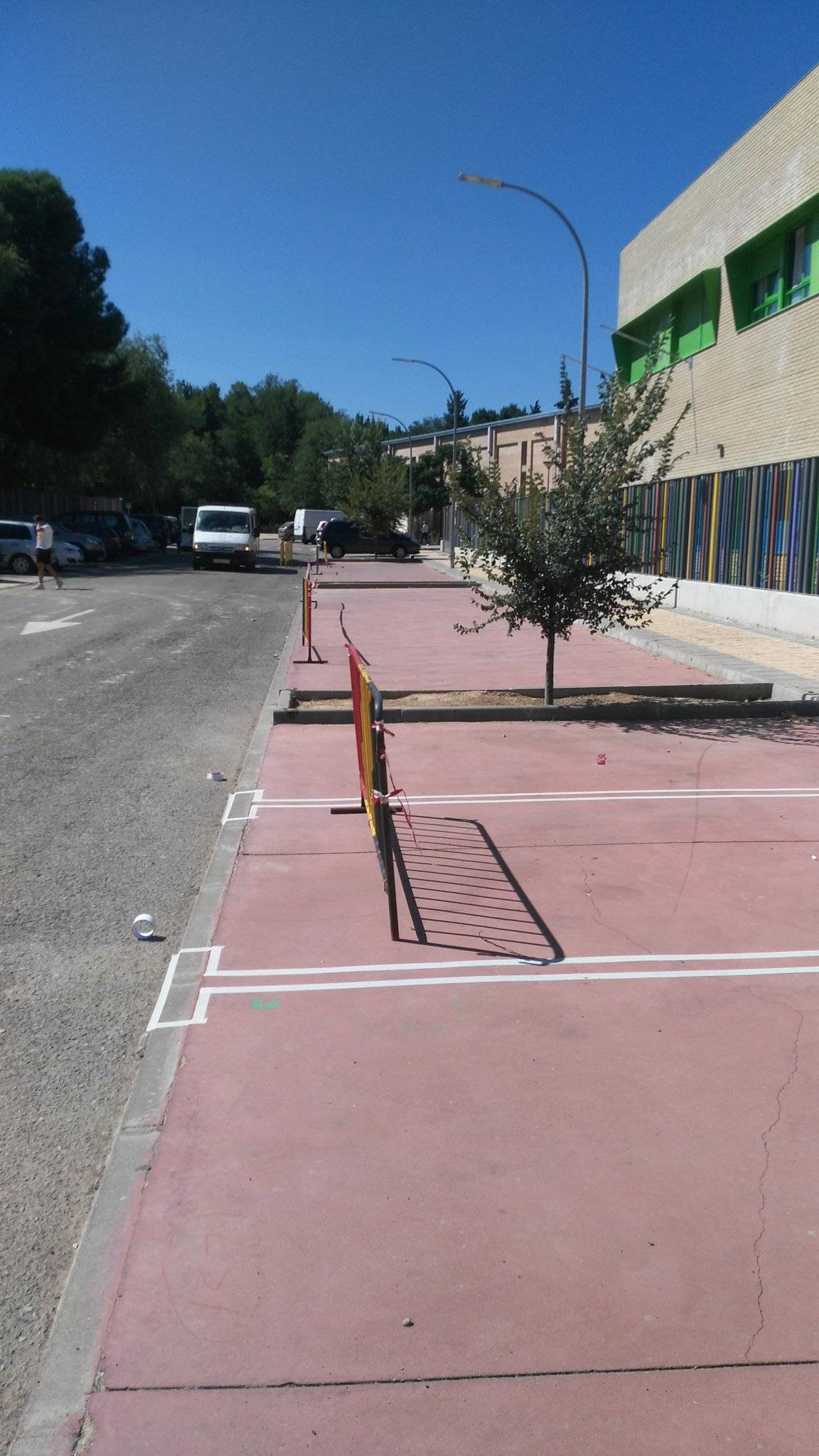 Pintando líneas de parking en Herencia