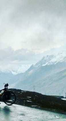 Perlé superando las cimas himalayas 74