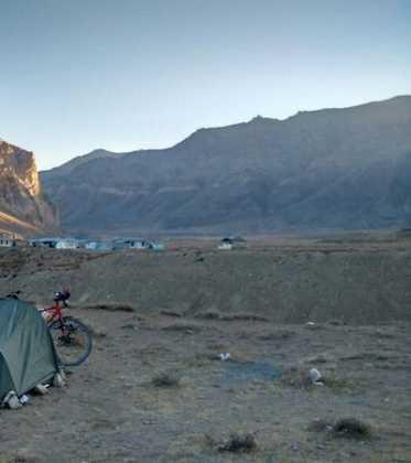 56Perl%C3%A9e superando las cimas himalayas 373x420 - Perlé superando las cimas himalayas