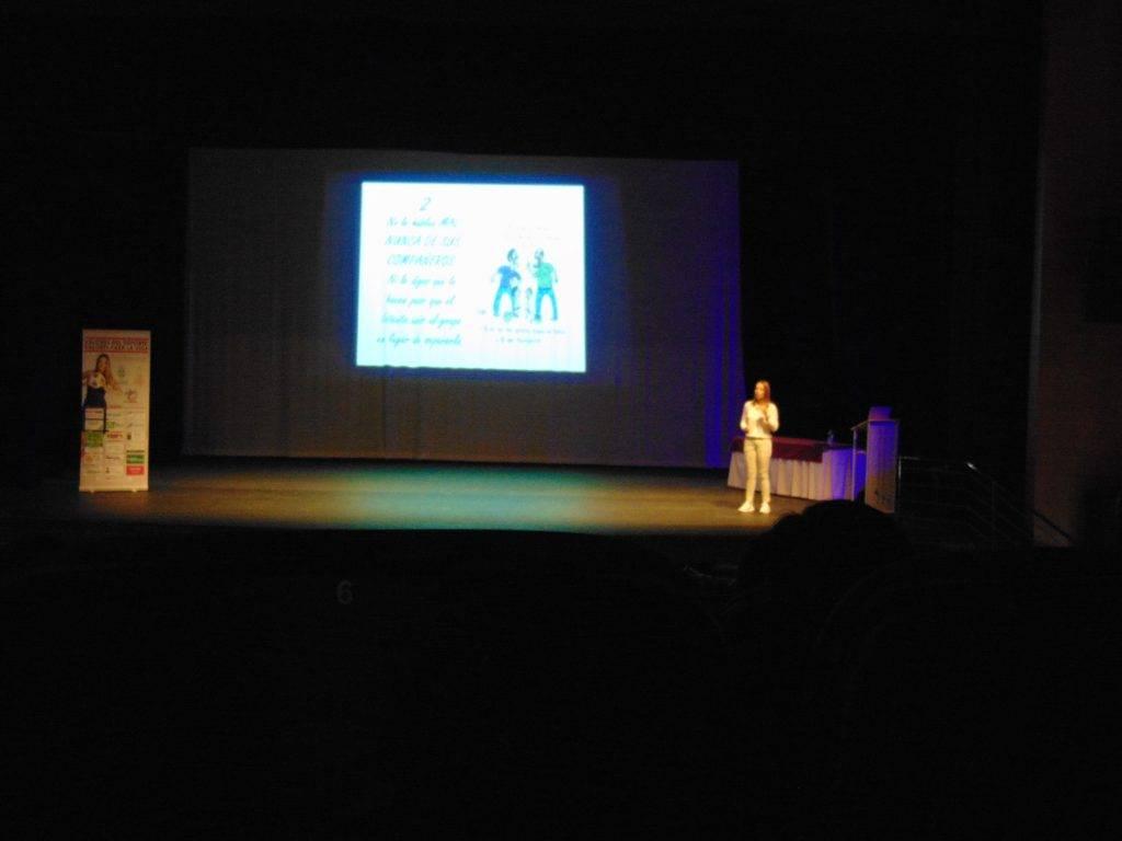 Patricia Ramírez, psicóloga deportiva, dio una conferencia en Herencia 9