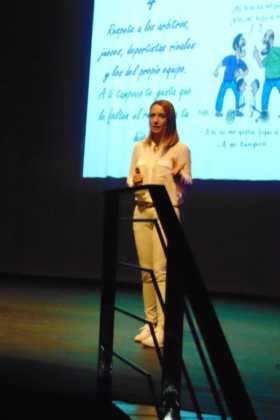 Patricia Ramírez, psicóloga deportiva, dio una conferencia en Herencia 14