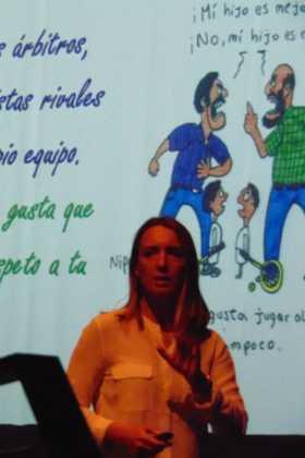 Patricia Ramírez, psicóloga deportiva, dio una conferencia en Herencia 13