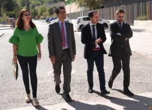 Visita Caballero 300x217 - La Diputación invierte en lo que va de 2017 medio millón de euros en Herencia