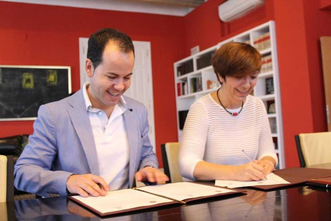 herencia y alcazar convenio rondadias puente 1068x712 - Herencia y Alcázar formalizan el convenio del Rondadías para completar 2019-2020