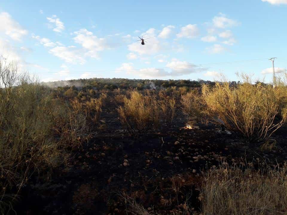 """incendio en sierra el bombo de Herencia 7 - Fotografías del incendio en la Sierra """"El Bombo"""" de Herencia"""