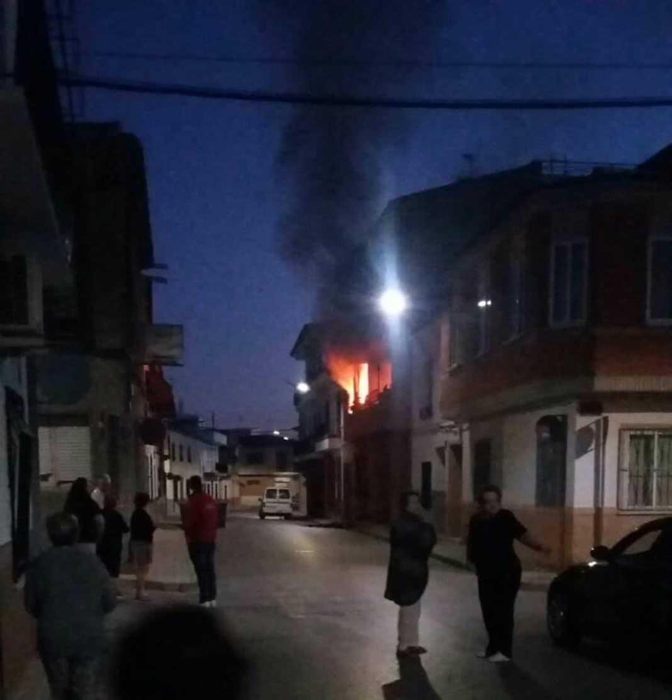 Incendio Calle Tahona en Herencia (ciudad real)