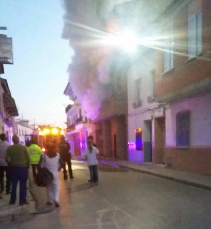 Declarado un incendio en la Calle Tahona de Herencia 8