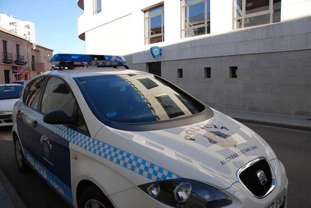 policia local alcazar de san juan coche 1068x716 - La Policía Local se siente abandonada por el Gobierno regional y piden test rápido según el SPL CLM