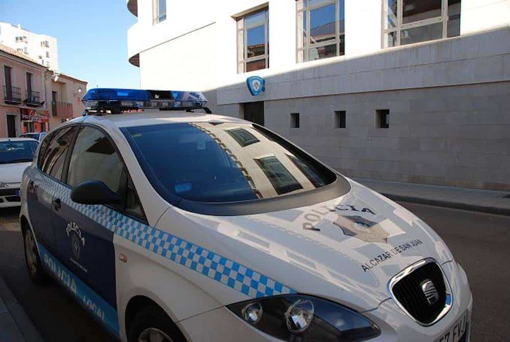 policia local alcazar de san juan coche - La Policía Local se siente abandonada por el Gobierno regional y piden test rápido según el SPL CLM