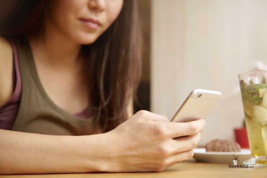 ¿Cómo prevenir riesgos en el uso de las redes sociales y el móvil? 7