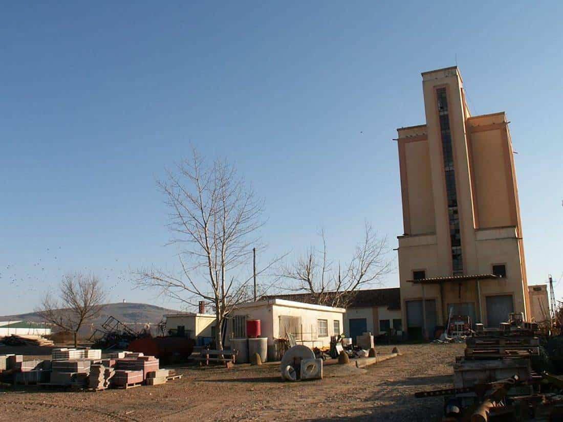silo de herencia 2 - El antiguo silo de trigo de Herencia ya es de titularidad municipal