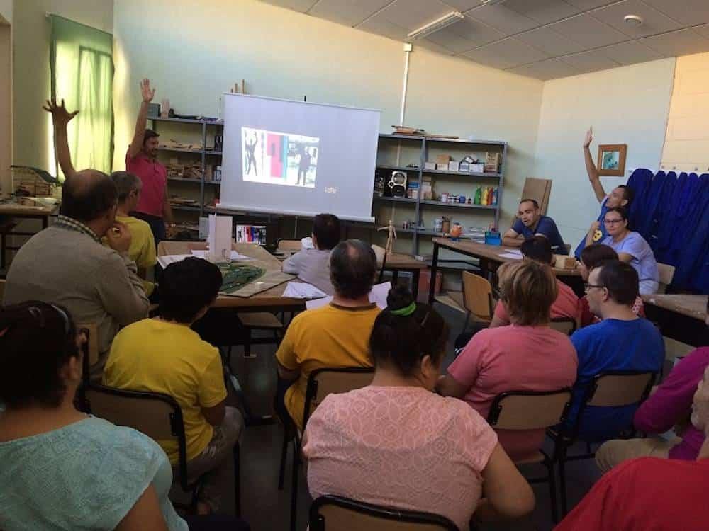 """taller de maquetas - TrazA2 imparte un taller de maquetas en """"El Picazuelo"""" de Herencia"""