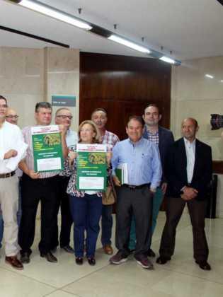 union de comunidades y regantes miembros de la candidatura 315x420 - 6 hectáreas afectadas por el fuego en Herencia