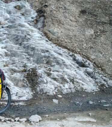 Perl%C3%A9 atravesando la singular Cachemira09 373x420 - Perlé atravesando la singular Cachemira