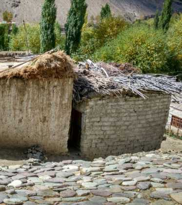 Perl%C3%A9 atravesando la singular Cachemira13 373x420 - Perlé atravesando la singular Cachemira