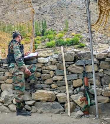 Perlé atravesando la singular Cachemira25 373x420 - Perlé atravesando la singular Cachemira