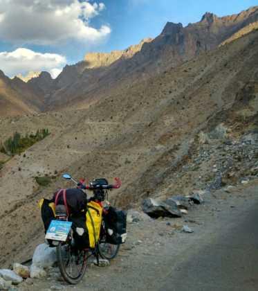 Perlé atravesando la singular Cachemira 82